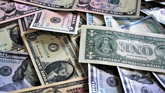 Dólar en Colombia se acerca a $3.350, su mayor valor en más de un mes