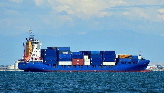 Menores ventas de petróleo lastraron exportaciones del país en agosto