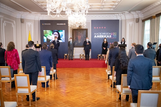 En el marco de la Macrorrueda Virtual de las Américas, el Presidente de la República, Iván Duque Márquez hace entrega del Premio Nacional de Exportaciones Analdex - ProColombia 2020