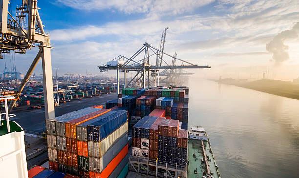 En febrero se recuperan las exportaciones a niveles preCovid