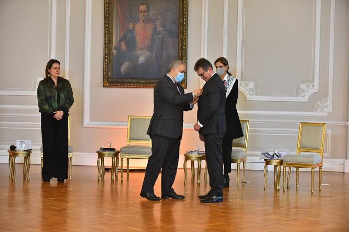 Analdex y su presidente ejecutivo reciben máximas condecoraciones por parte del Presidente de la República